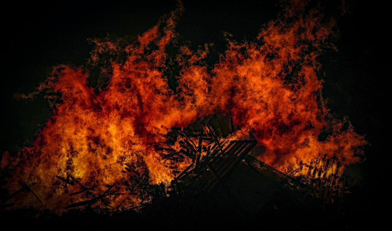 The urge to burn it alldown
